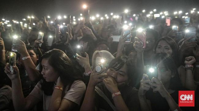 Tak sembarangan, musisi yang beraksi di atas panggung merupakan nama-nama yang tengah naik daun di sejumlahplaylistpopuler Spotify.(CNN Indonesia/Bisma Septalisma)