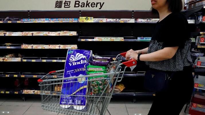 Ketika berbelanja kebutuhan keluarga di supermarket, sering kali nafsu belanja tidak terkendali.