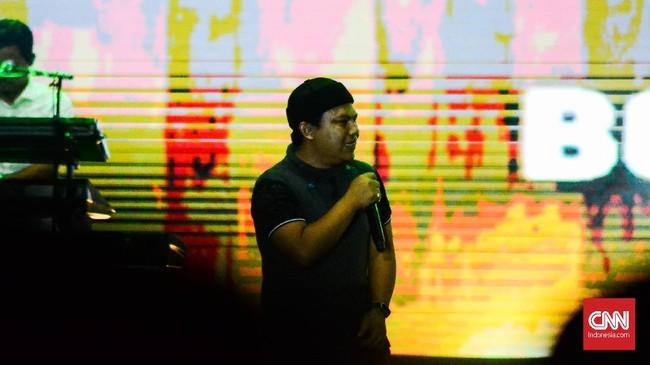 Band pop Melayu, Wali tampil sebagai penutup sesi Oom Leo Berkaraoke. Mereka membawakan lagu-lagu lama dan lagu baru, seperti Bocah Ngapa Yak. (CNN Indonesia/M Andika Putra)