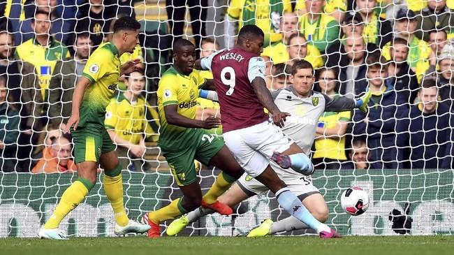 Aston Villa mencatat kemenangan terbesar pekan ini dengan skor 5-1 atas tuan rumah Norwich City. (Joe Giddens/PA via AP)