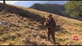 VIDEO: Putin Jalan-jalan di Pegunungan Jelang Ulang Tahun