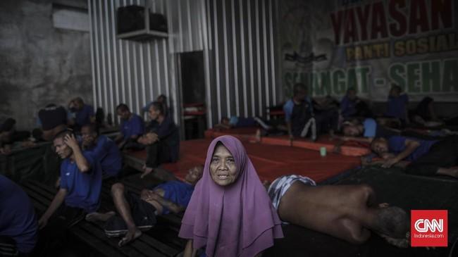 Riset Kesehatan Dasar (Riskesdas) 2018 mencatat, prevalensi rumah tangga dengan gangguan jiwa skizofrenia/psikosis di Indonesia mencapai 7 persen. (CNN Indonesia/Bisma Septalisma)