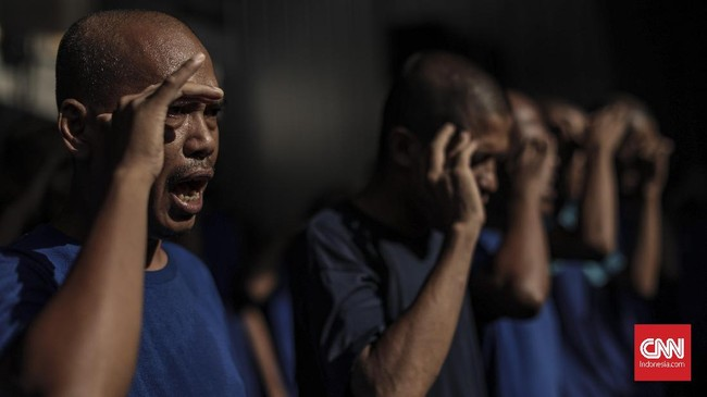Undang-Undang Nomor 18 Tahun 2014 tentang Kesehatan Jiwa sesungguhnya berisi beragam aturan penanganan kesehatan jiwa di Indonesia. (CNN Indonesia/Bisma Septalisma)