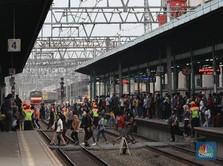 Orang Jakarta dan Sekitarnya Malas Pakai Transportasi Umum