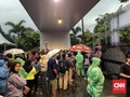 Konser Shawn Mendes di Sentul Disambut Hujan