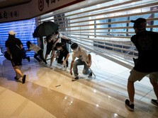 Bank-bank China di Hong Kong Dirusak Pendemo