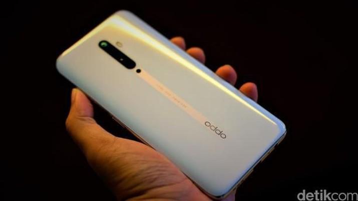 Baru-baru ini, Oppo secara resmi telah meluncurkan sistem operasi antar-muka terbaru yakni ColorOS 7 di New Delhi, India yang merupakan kostumisasi Android 10.