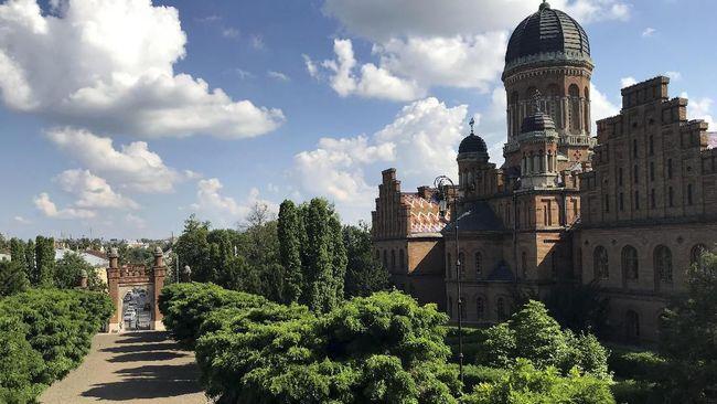 Chernivtsi, Kota Arsitektur Bersejarah di Ukraina