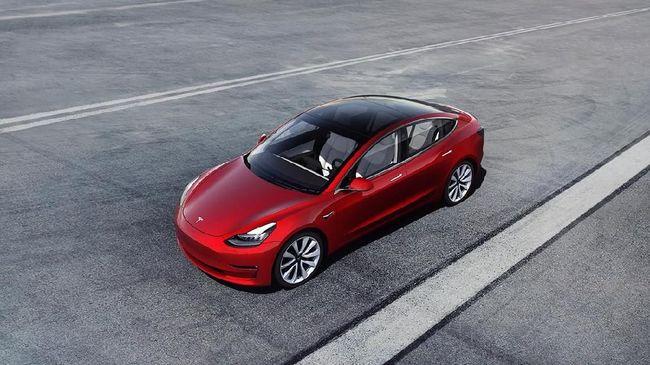 Autopilot Tesla Model 3 Kecelakaan Tabrak Mobil Polisi
