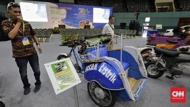 Dalam sambutannya Menteri Energi dan Sumber Daya Mineral (ESDM) Ignasius Jonan menyebut kapasitas listrik terpasang Indonesia masih tergolong kecil. Jonan menyebut, hingga 2024 kapasitas listrik terpasang diperkirakan baru mencapai 90 GigaWatt (GW). (CNN Indonesia/Adhi Wicaksono).