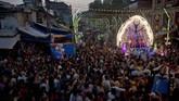 Dussehra dirayakan untuk menghormati Prabu Rama yang menang melawan Rahwana saat memperebutkan Shinta. (AP Photo/Rajesh Kumar Singh)