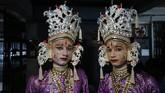 Pada hari pertama bulan Asvin, masyarakat berpuasa sampai hari ke-9 dengan tidak mengkonsumsi makanan dari biji-bijian. (AP Photo/Rajesh Kumar Singh)