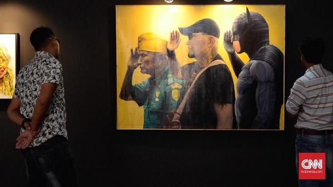 Pengunjung dapat menikmati karya seni rupa dalam, Pameran Seni Rupa