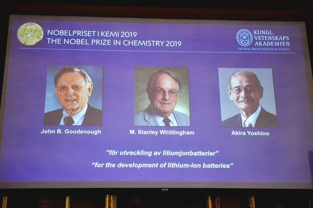 Para Penemu Baterai Ponsel yang Diganjar Nobel Kimia