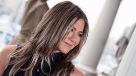 Jennifer Aniston Akui Sempat Jadi 'Stalker' di Instagram