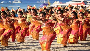 Wisatawan Meriahkan Penutupan Nusa Penida Festival 2019