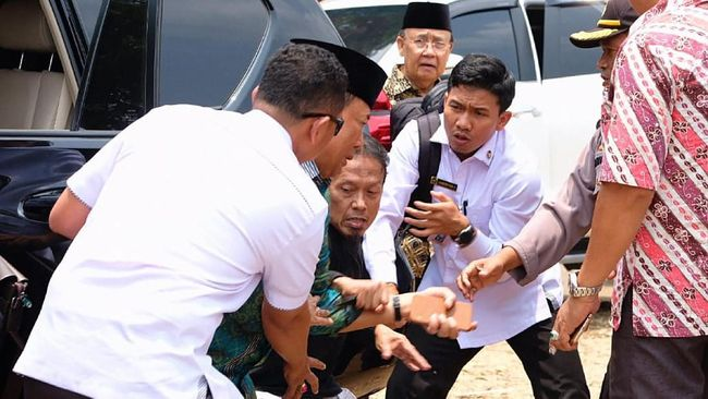 FOTO : Wiranto Ditikam di Pandeglang