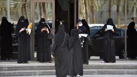 Saudi Kini Izinkan Pria dan Wanita Duduk Satu Meja di Kafe