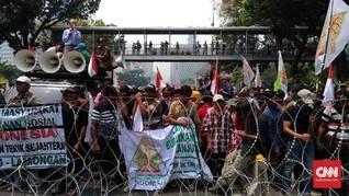 Ratusan Petani Demo, Jalan Menuju Istana Ditutup