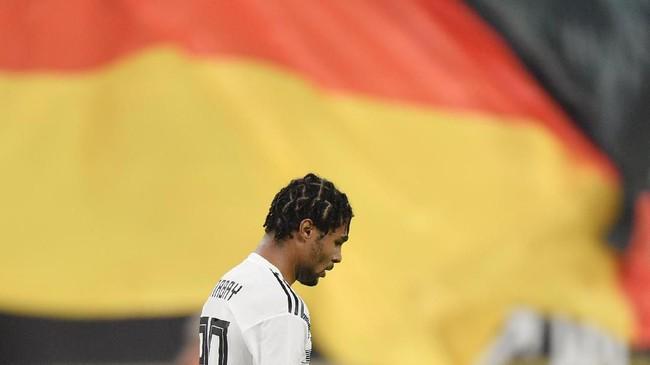 Gol yang dicetak Serge Gnabry buat timnas Jerman melanjutkan periode produktif sang pemain sejak awal musim ini. Bersama Bayern Munchen, Gnabry sudah mencetak lima gol. (AP Photo/Martin Meissner)