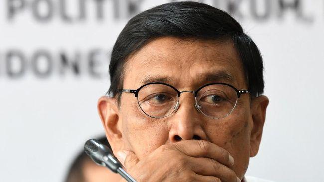 Keluar RS Sementara, Wiranto Perpisahan dengan PNS Polhukam