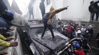 FOTO: Amarah Penduduk Ekuador Tolak Kenaikan Harga BBM