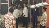Wiranto langsung dilarikan ke RS Berkah Pandeglang untuk mendapat pertolongan pertama. Ia disebut mengalami luka di bagian perut. (AP Photo/Rafsanjani)