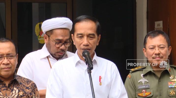 Jokowi bungkam saat ditanya soal UU KPK, malah diselak oleh anggota MPR yang minta agar hal tersebut tak usah ditanyakan ke sang presiden