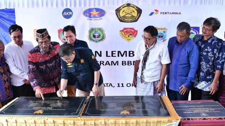 Program BBM satu harga kini tuntas, diperkirakan 500 ribu lebih Kepala Keluarga di daerah tertinggal bisa nikmati bensin dengan harga murah sama seperti Jakarta