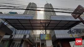 Kasino Digerebek, Penghuni Apartemen Robinson 'Bodo Amat'