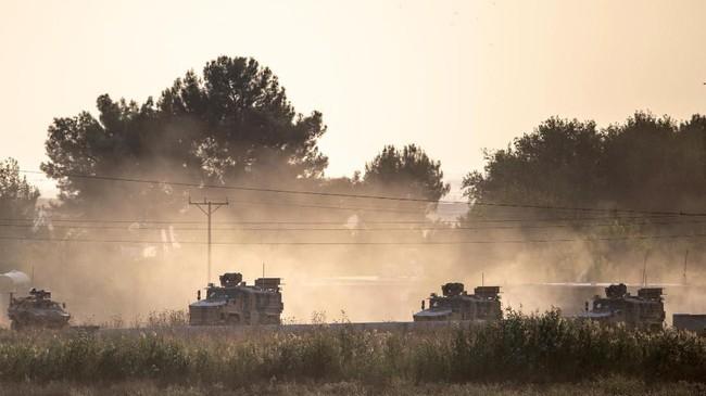 Turki meluncurkan serangan besar-besaran ke wilayah yang dikuasai Kurdi di Suriah timur laut sejak Rabu (9/10) lalu. (Photo by BULENT KILIC / AFP)