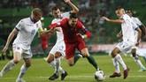 Gol tersebut membuat Cristiano Ronaldo sukses mencetak gol ke-699 dalam sepanjang kariernya. (AP Photo/Armando Franca)