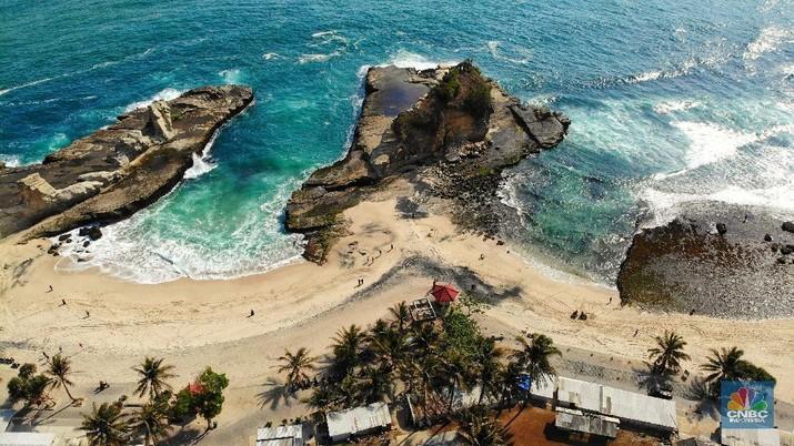 Yuk Lihat, Ada Pantai Indah di Kampung Halaman SBY