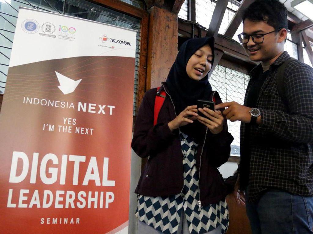 Rangkaian kegiatan Indonesia NEXT 2019 terdiri dari kuliah umum bertema, kursus online, pelatihan, dan setifikasi tingkat internasional. Seluruh kegiatan tersebut dirancang untuk mempersiapkan keahlian profesi para mahasiswa agar siap bersaing di tingkat global. Foto: dok. Telkomsel