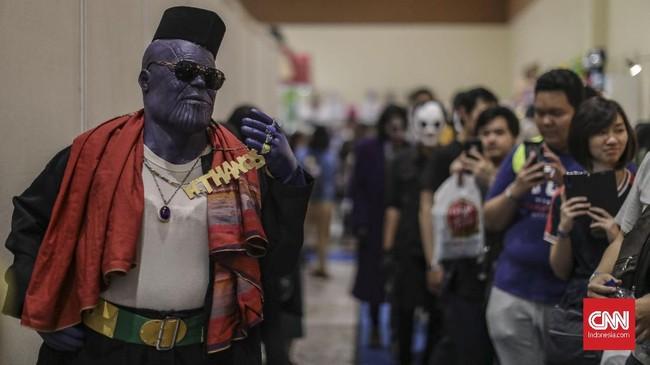 Sejumlah cosplay tokoh komik jadi penghibur di Indonesia Comic Con 2019 di Jakarta Convention Center (JCC), Senayan, Jakarta, Sabtu, 12 Oktober 2019. (CNN Indonesia/Bisma Septalisma)
