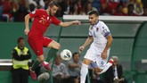 Bernardo Silva berhasil mencetak gol pembuka Portugal di laga ini. Bernardo Silva mencetak gol di menit ke-16. (AP Photo/Armando Franca)