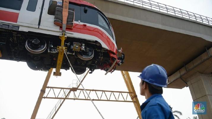 LRT Jabodebek baru beroperasi 2021.