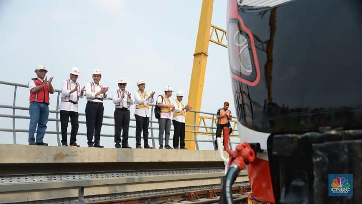 Moda transportasi Lintas Raya Terpadu (LRT) Jabodebek memang baru akan beroperasi pada November 2021.