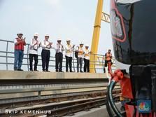 Sah! Kereta LRT Jabodebek Terpasang di Jalur Cawang-Cibubur
