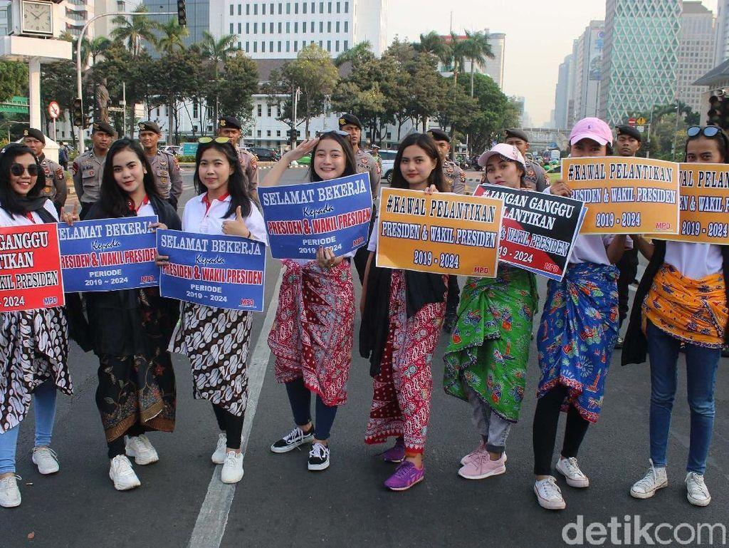 Aksi Damai Srikandi Milenial Jelang Pelantikan Presiden