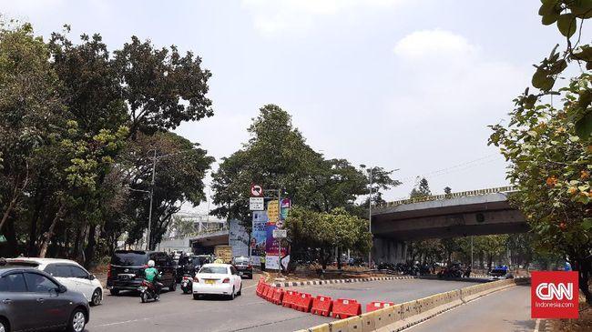 Jalan Depan Gedung DPR Ditutup, Lalu Lintas Dialihkan