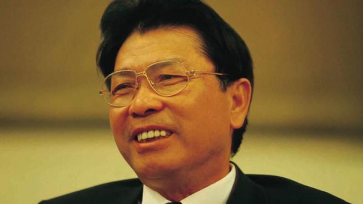 He Xiangjian, Pendiri Midea Group