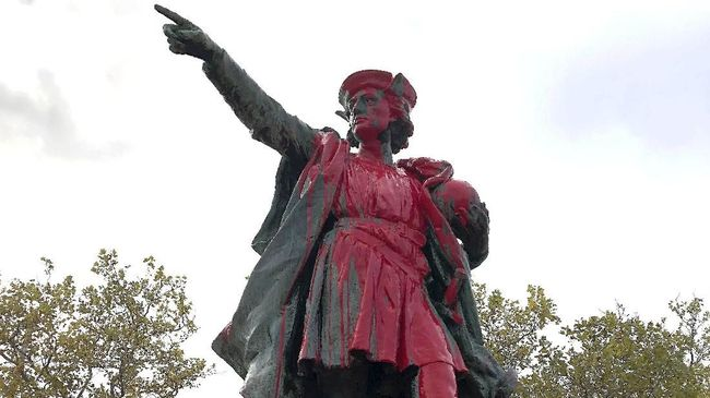 Dianggap Penjajah, Patung Christoper Colombus di AS Dirusak