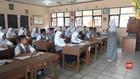VIDEO: Siswa Belajar di Tengah Kepungan Asap