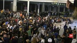 VIDEO: Pendukung Kemerdekaan Catalonia Bentrok dengan Polisi