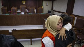 Bebasnya Terdakwa Video 'Penggal Jokowi' dan Momok UU ITE