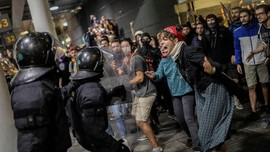 Demo Ricuh di Barcelona Sampai Skandal Keuangan Vatikan