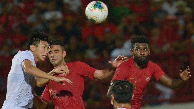 Tak ada lagi gol tambahan yang tercipta di sisa tujuh menit pertandingan. Indonesia kalah 1-3 dari Vietnam. (ANTARA FOTO/Nyoman Budhiana/hp)