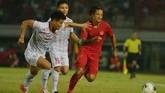 Namun yang justru terjadi adalah Vietnam berhasil mencetak dua gol tambahan lewat Que Ngoc Hai dan Nguyen Tien Linh. (ANTARA FOTO/Nyoman Budhiana/hp)