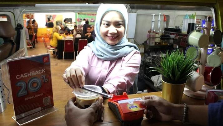 BNI menjadi partner perbankan untuk segala transaksi ritel di Trade Expo Indonesia 2019, terutama untuk pembelian food & beverages.